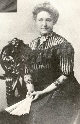 Helen's mother, Kate Adams Keller, 1900